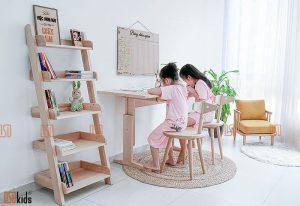 Bàn học trẻ em gỗ tự nhiên tại Hà Nội