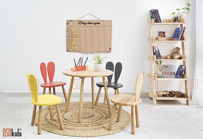 Ghế gỗ cho bé