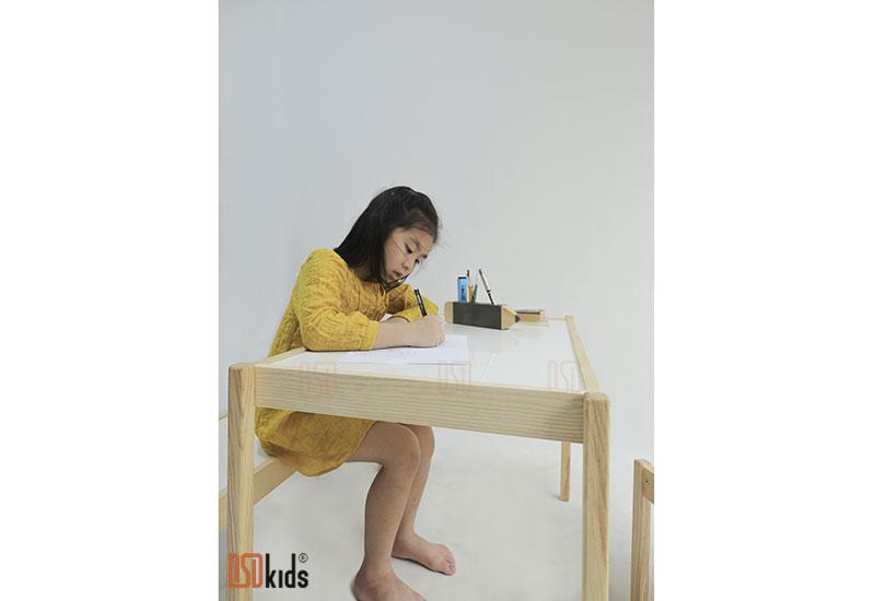 bàn ghế cho bé