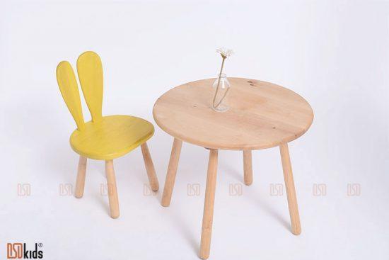 bàn tròn kitty