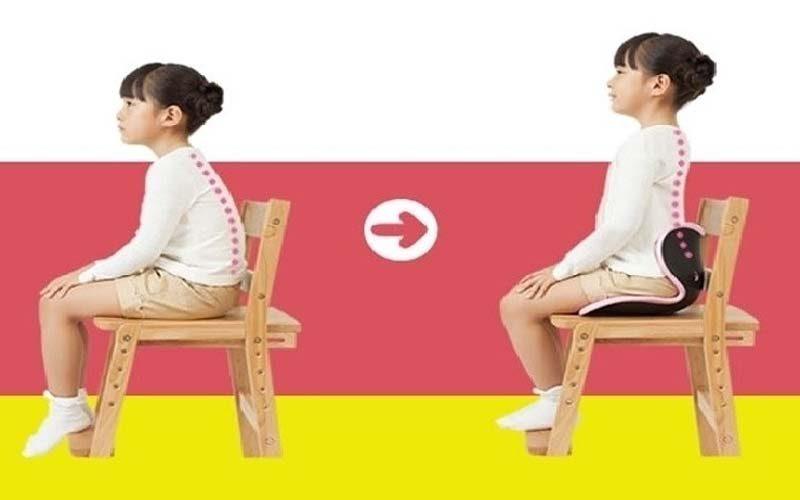 cách tập ngồi thẳng lưng cho trẻ